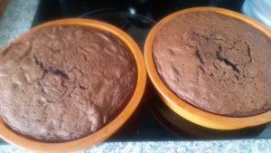 homemade chocolate fudge cake - deanysdesigns.co.uk