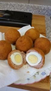 Homemade scotch eggs - deanysdesigns.co.uk