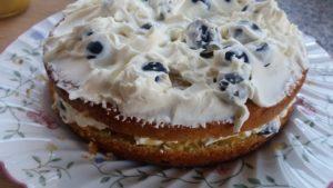 homemade lemon & blueberry cheesecake cake - deanysdesigns.co.uk