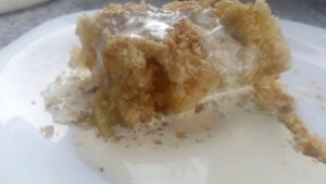 homemade apple & apricot crumble cake - deanysdesigns.co.uk